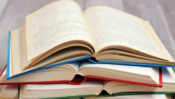 Hegemoni Teks Dan Arogansi Ilmiah Lewat Buku-Buku