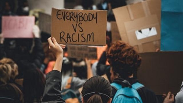 Kita Semua Memang Rasis, tapi Tidak Melulu Bengis