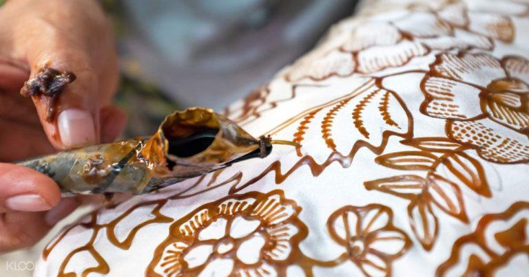 Batik dan Simalakama Warisan Dunia
