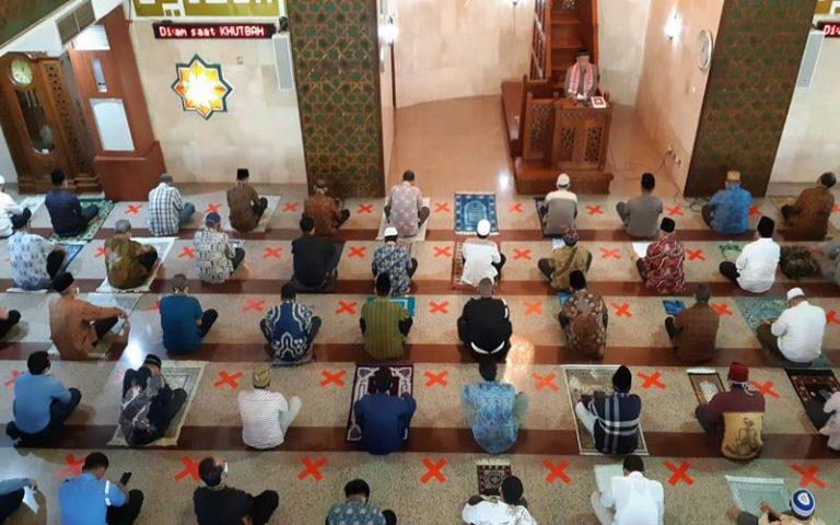 3 Keuntungan Pakai Masker Ketika Sholat Berjamaah di Masjid Selain Menghindari Corona